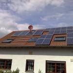 Die Solaranlage auf dem Dach reinigen
